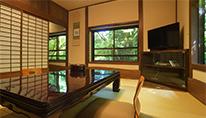 渓流沿いの露天風呂付き和洋室